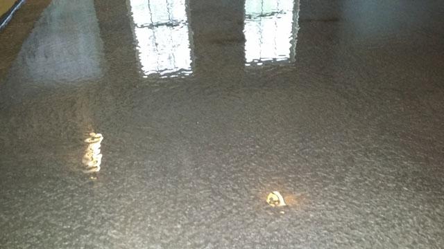 042614-apex-metallic-epoxy-floor3-slate-640