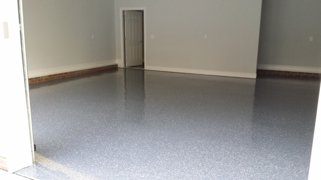 Blog 04082014c Dark Grey Floor Bw Flakes1 640