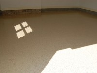 tan-epoxy-garage-floor-with-wine-flakes-raleigh-0566-800